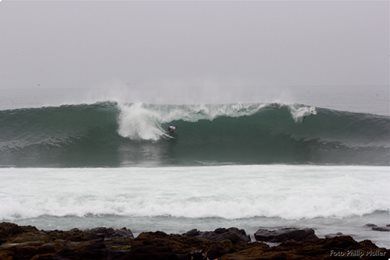 Barrels on offer at the ASP 3-Star Maui and Sons Arica World Star in Chile