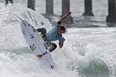 Coffin and Van Dijk Win Nike US Open of Surfing Pro Junior Mens Quarterfinalists Decided