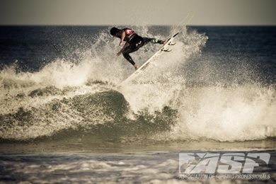 Small Surf and Big Maneuvers on Day 1 of Airwalk Pro Junior