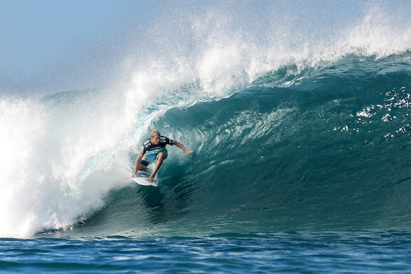 e8c5527735 Lay Day Called for Billabong Pipe Masters