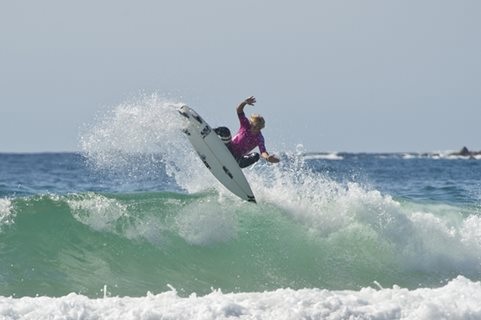 Future Surf Stars Put On a Show on the Opening Day of the Hurley Australian Open of Surfing